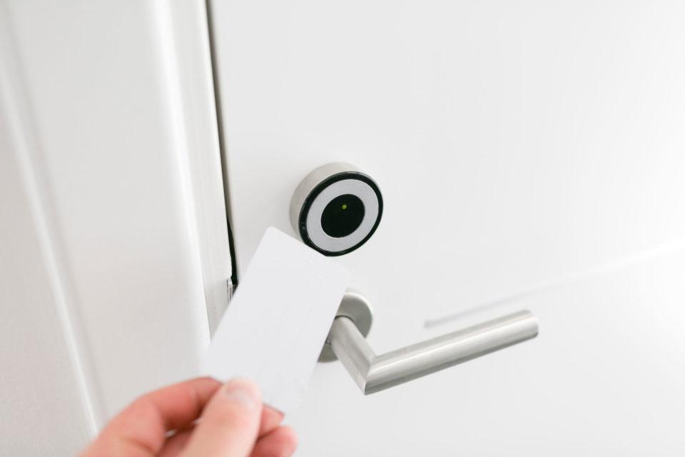 Schlüsselkarte Tür weiß